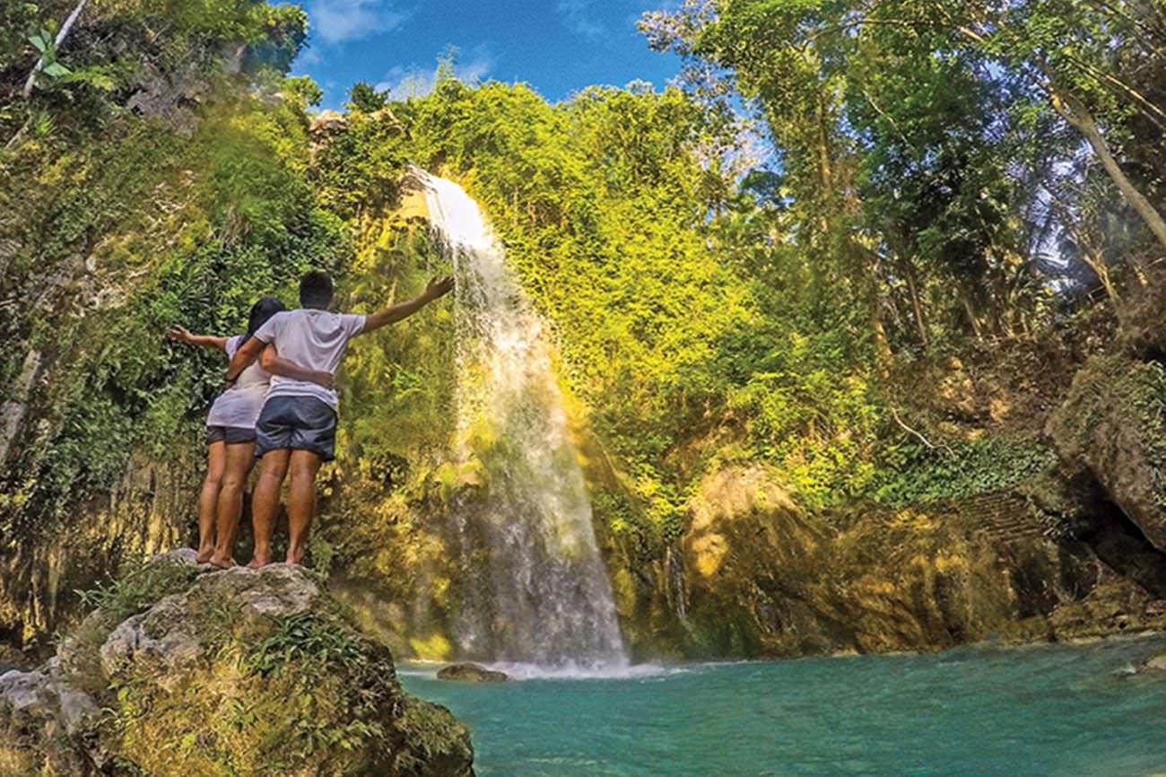 Aqua Ventura Diving-Moalboal Sardines Run & Inambakan Falls Exclusive Day Tour